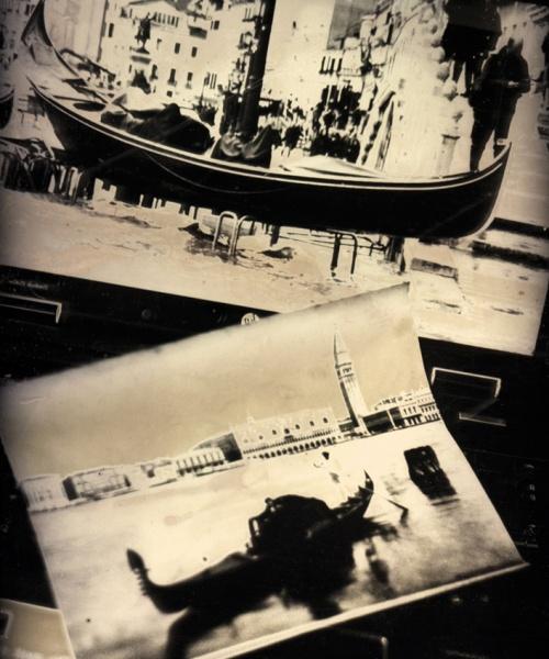 Daguerreotip (tècnica amb la que es va inventar la fotografia el 1839, amb còpia única sobre placa de coure platejat, sensibilitzat amb iode i revelat amb vapors de mercuri), 4x5.5 cm. / Dagherrotipo (tecnica con la quale si inventò la fotografia nel 1839, con copia unica su lastra di rame argentato, sensibilizzata con iodio e sviluppata con vapori di mercurio), 4x5,5 cm.